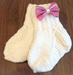 Kojinės vaikui (su rožiniu kaspinėliu)