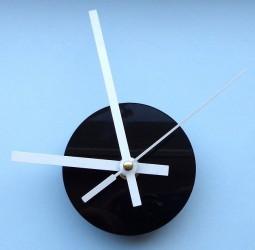 Clock movements (white)