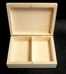Box with 2 dividers