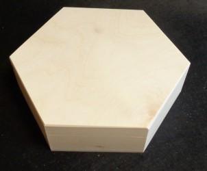 Šešiakampė dėžutė (vidutinė)