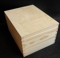 Dėžė (3 skyriai)