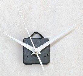 Clock movement (white pointers)