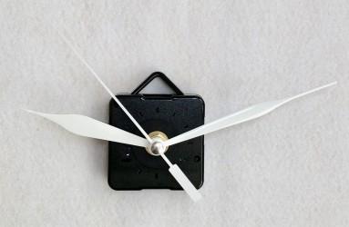Laikrodžio mechanizmas (baltos spalvos rodyklės)
