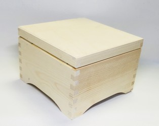 Skrynia - dėžė kvadratinė