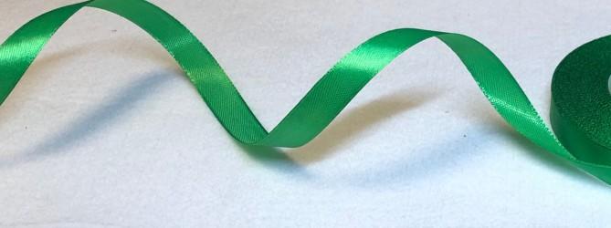 Satininės juostelė Tamsiai žalia (1,2cm pločio, 1m)